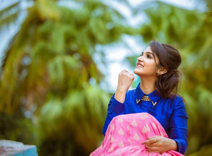 Divya Uruduga Images