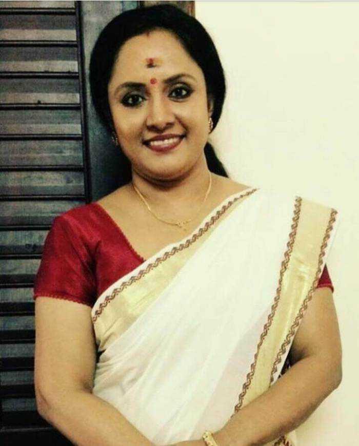 Nisha Sarangh Photos